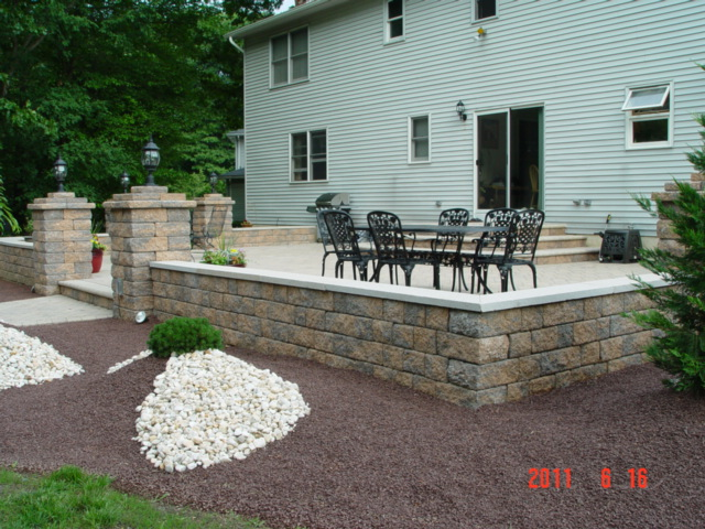 Superbe Raised Patio Manalapan NJ 07726