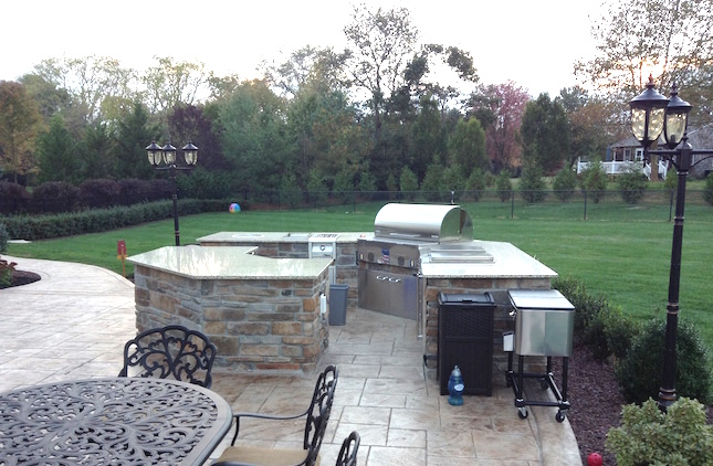 Outdoor kitchen contractor fireplace fire pit bar design Outdoor kitchen cost estimator